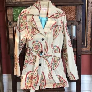 3 Sisters Jacket 3 buttons Paisley design on cream